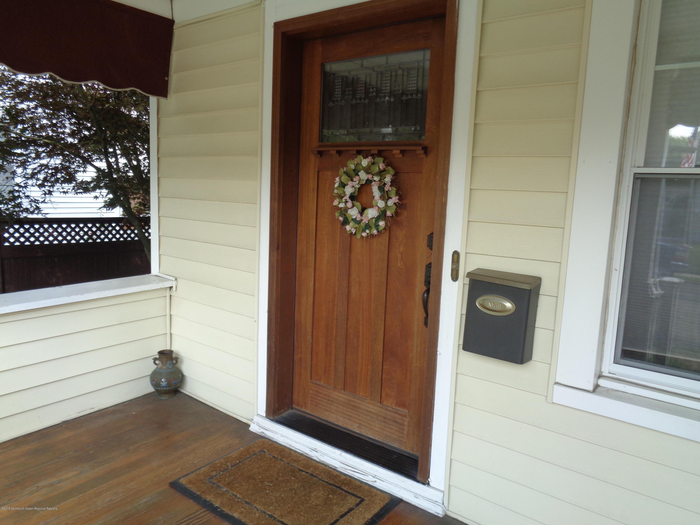 12 Linden WLB Front Door