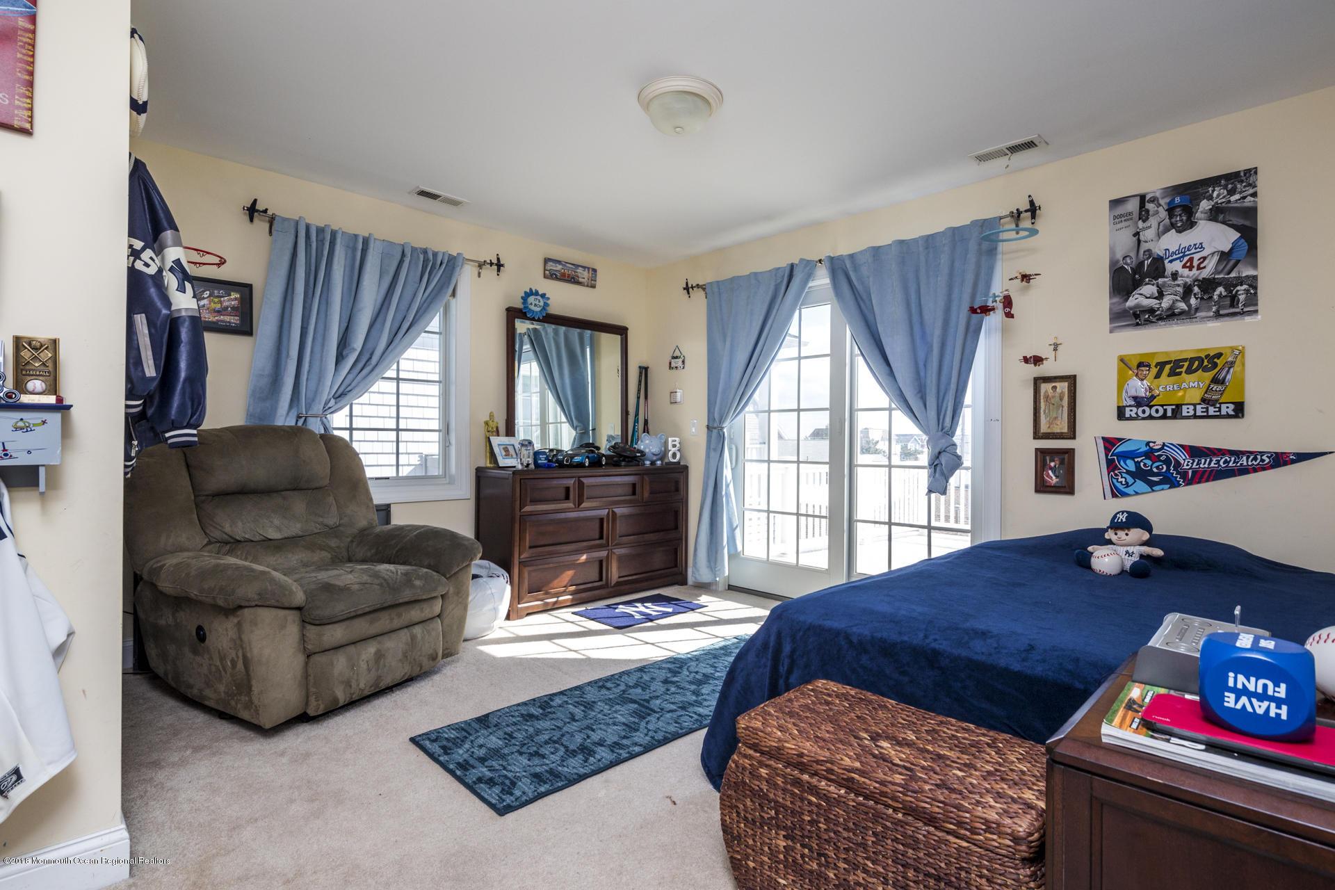 30_Bedroom