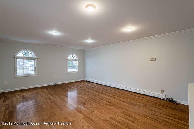 801 Adelphia Rd Freehold NJ-small-042-03