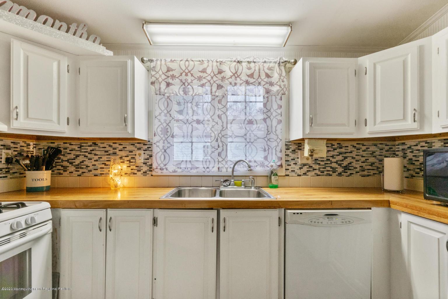 10 snow chief kitchen 3