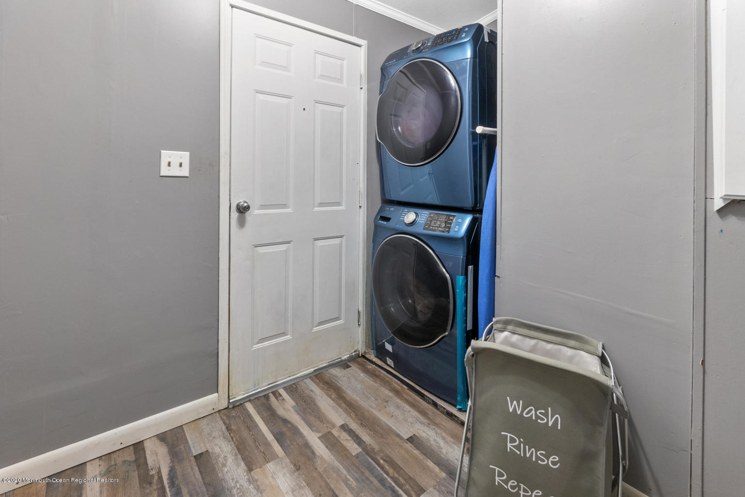 10 snow chief laundry room