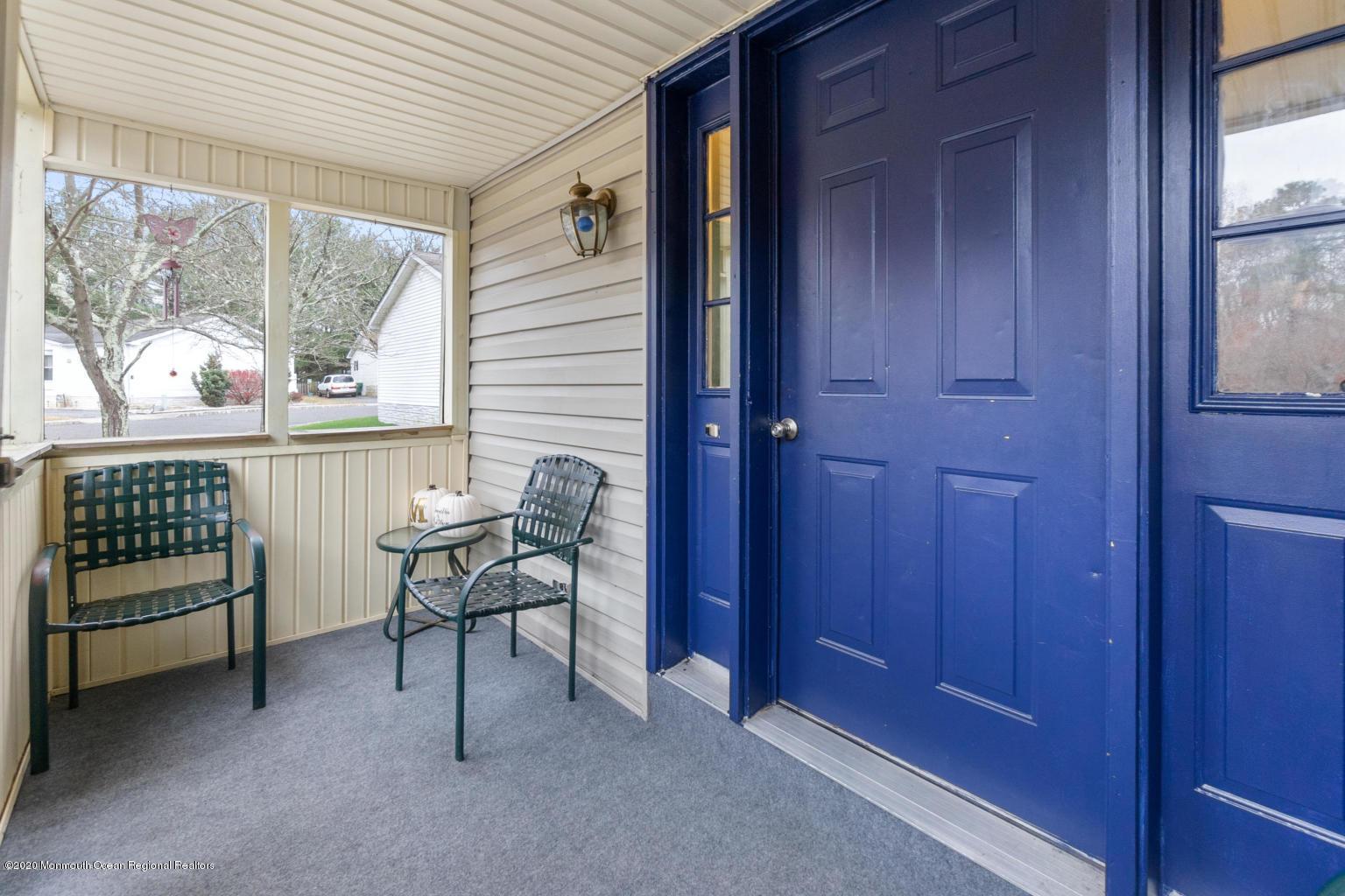 10 snow chief porch front door