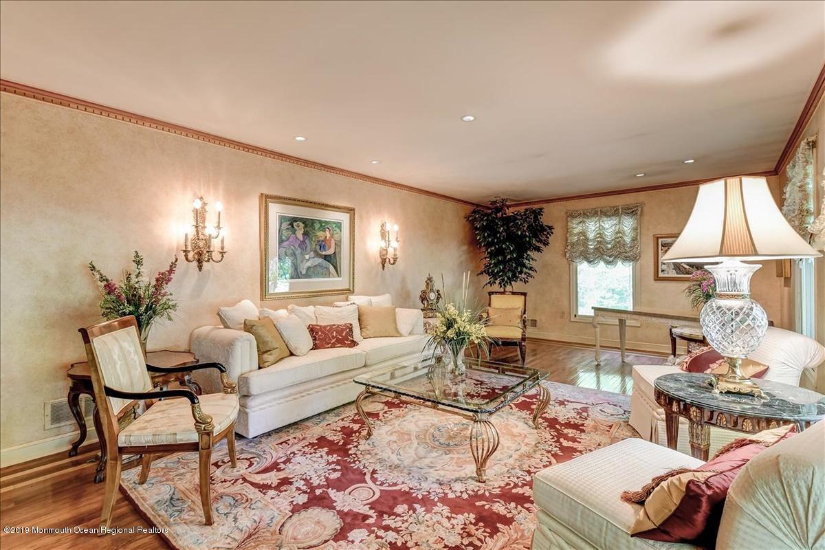09-Living Room