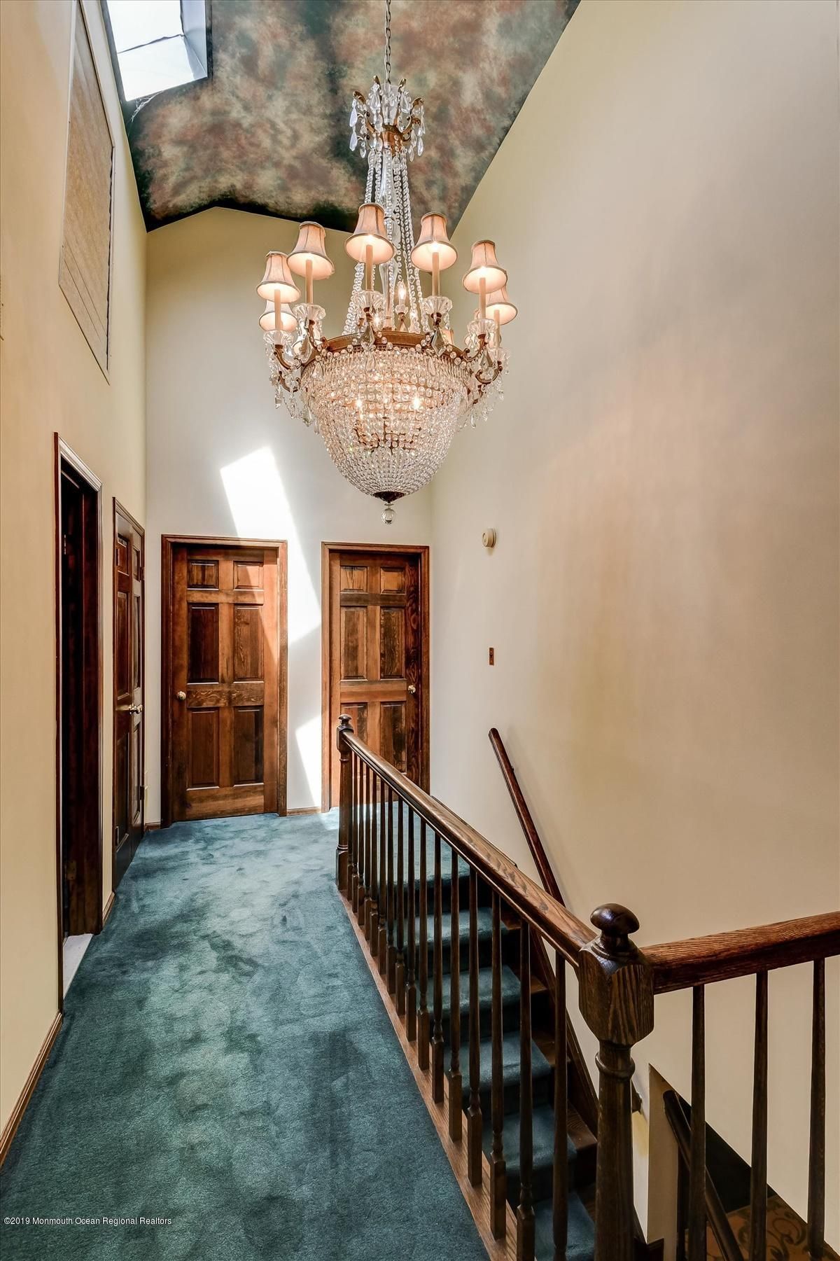 19-Upper Hallway