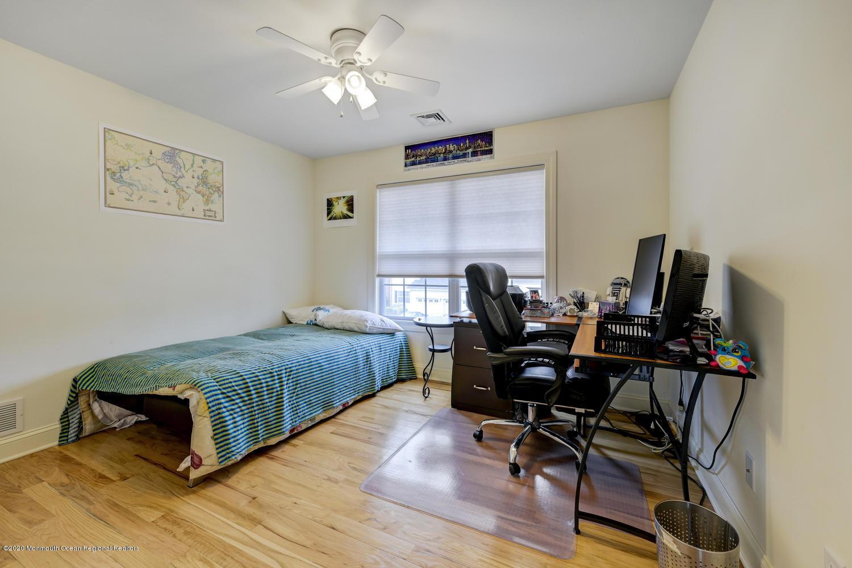 226 Brooklyn Ave Spotswood NJ-large-032-