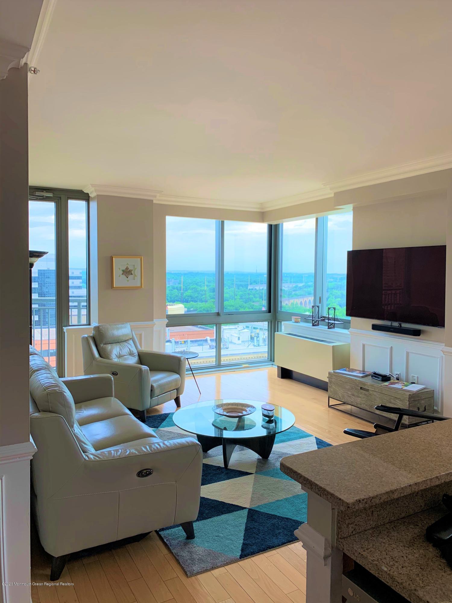 Living Room corner picLiving room corner