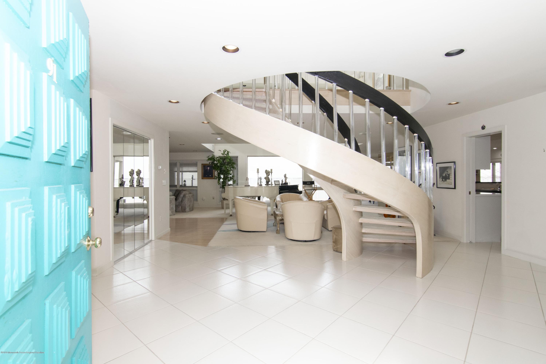 91 Pershing  Interior.  Foyer 2