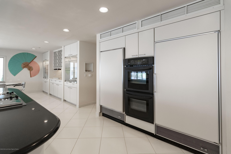 91 Pershing.   Kitchen 3 (1)