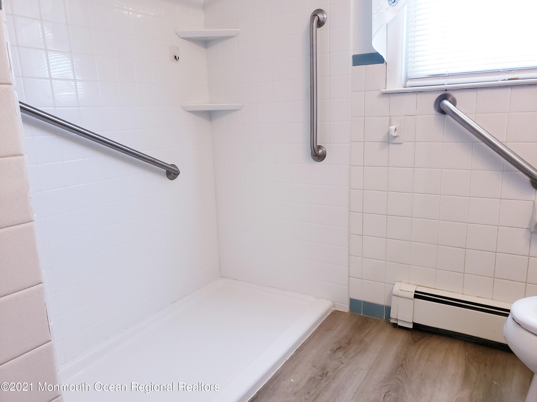 Alternate View of Main Bath