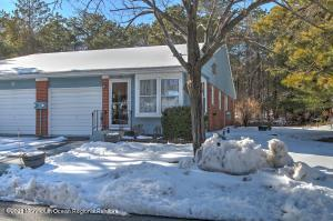 17b Molly Pitcher Boulevard