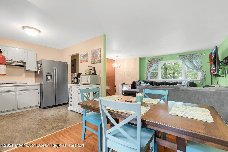 Kitchen/Dining Room 2