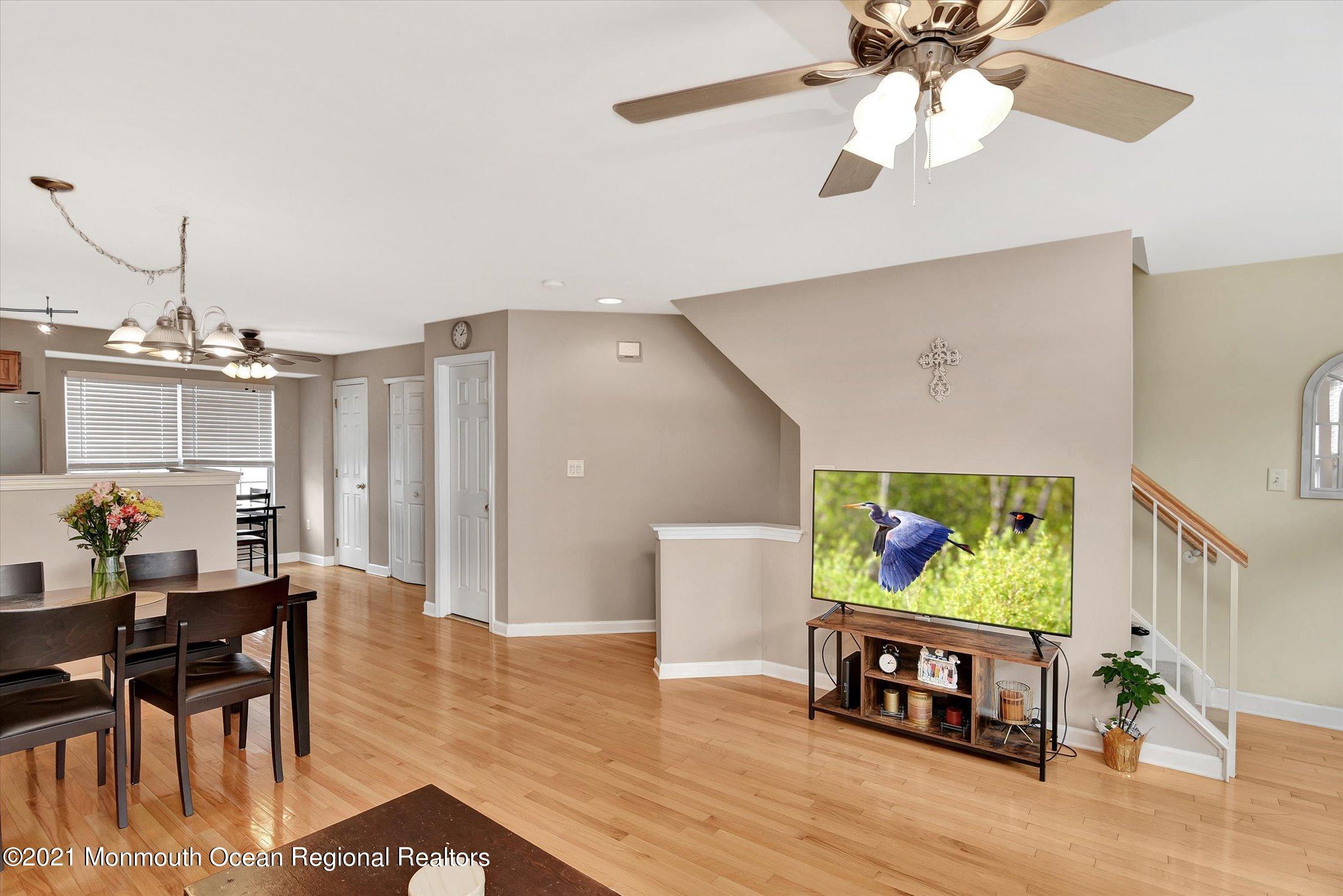 17-Living & Dining Room