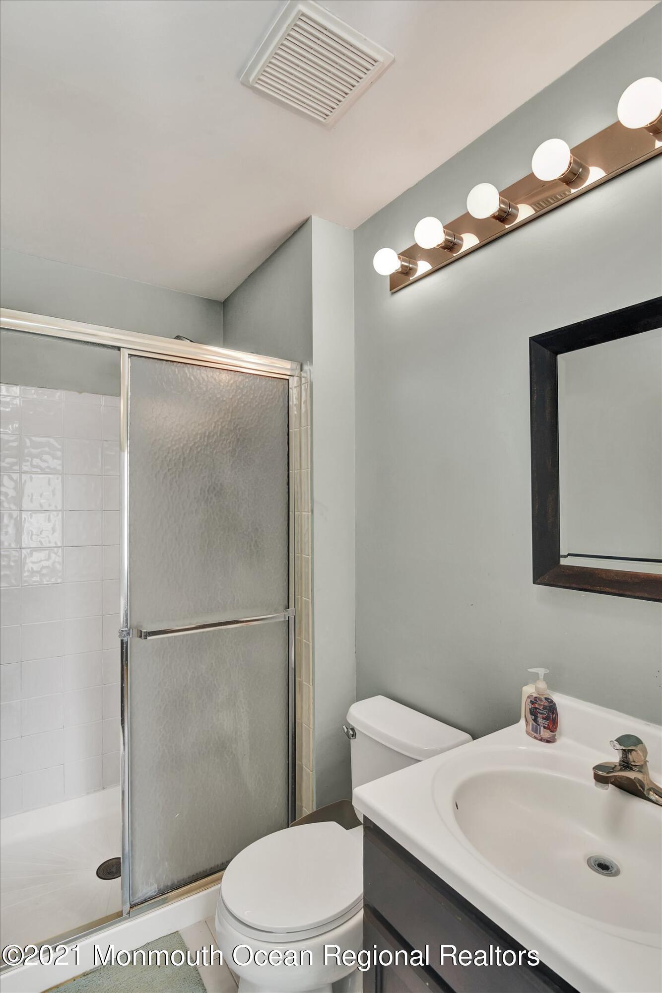 37-Master Bathroom