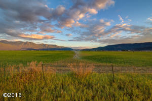 Single Family Home for Sale at 32526 Mcleod Road Arlee, Montana 59821 United States