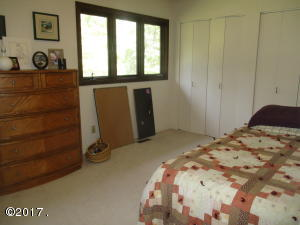 Upper Level Bedroom (1)