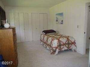 Upper Level Bedroom (2)