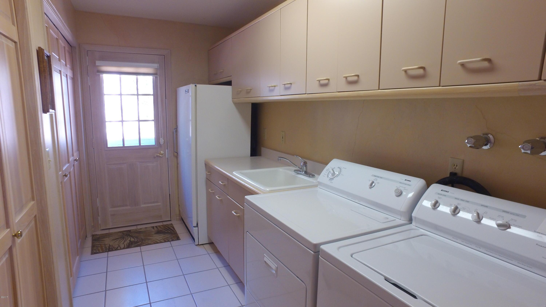 Laundry (Off Kitchen)