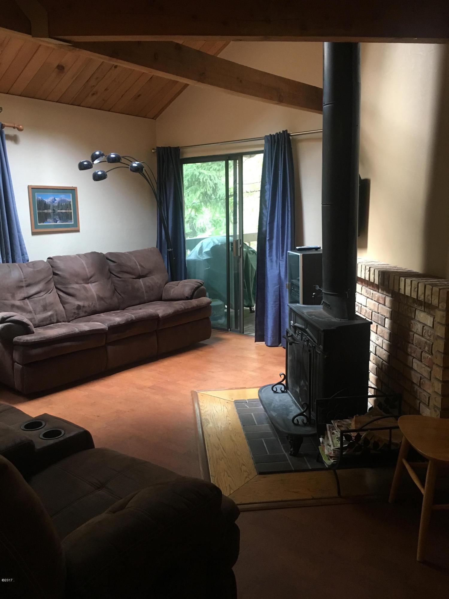 Mian floor living room (4)
