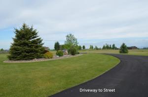 Landscaped Circular Drive