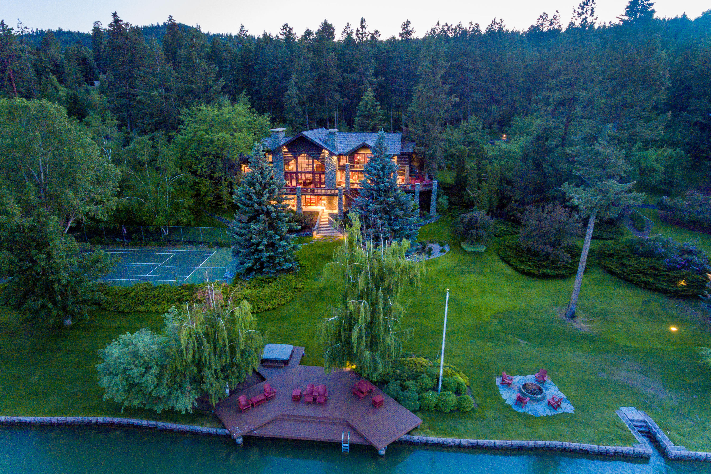 Luxury Lake Living