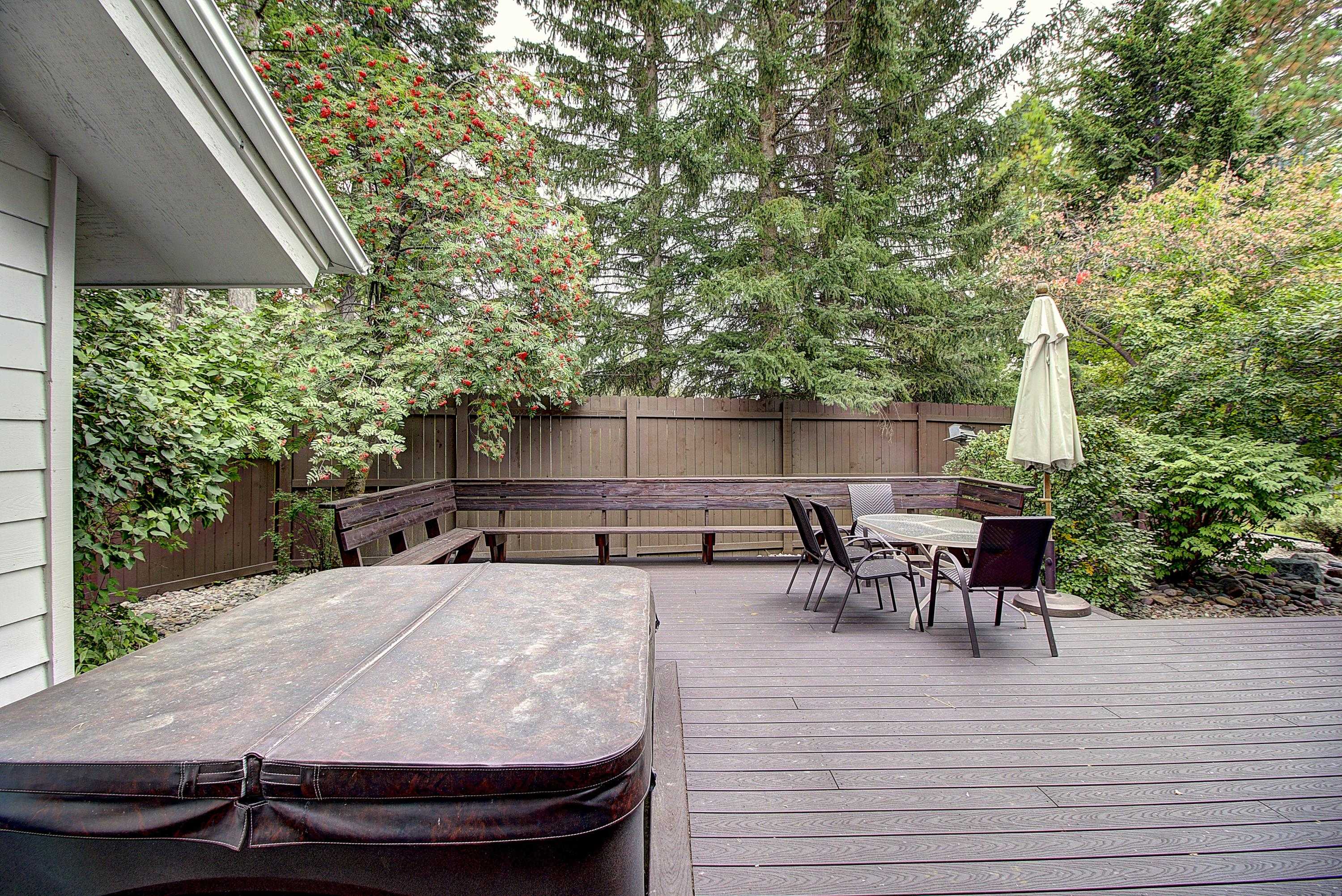 Privacy w/Hot Tub & Deck Seating