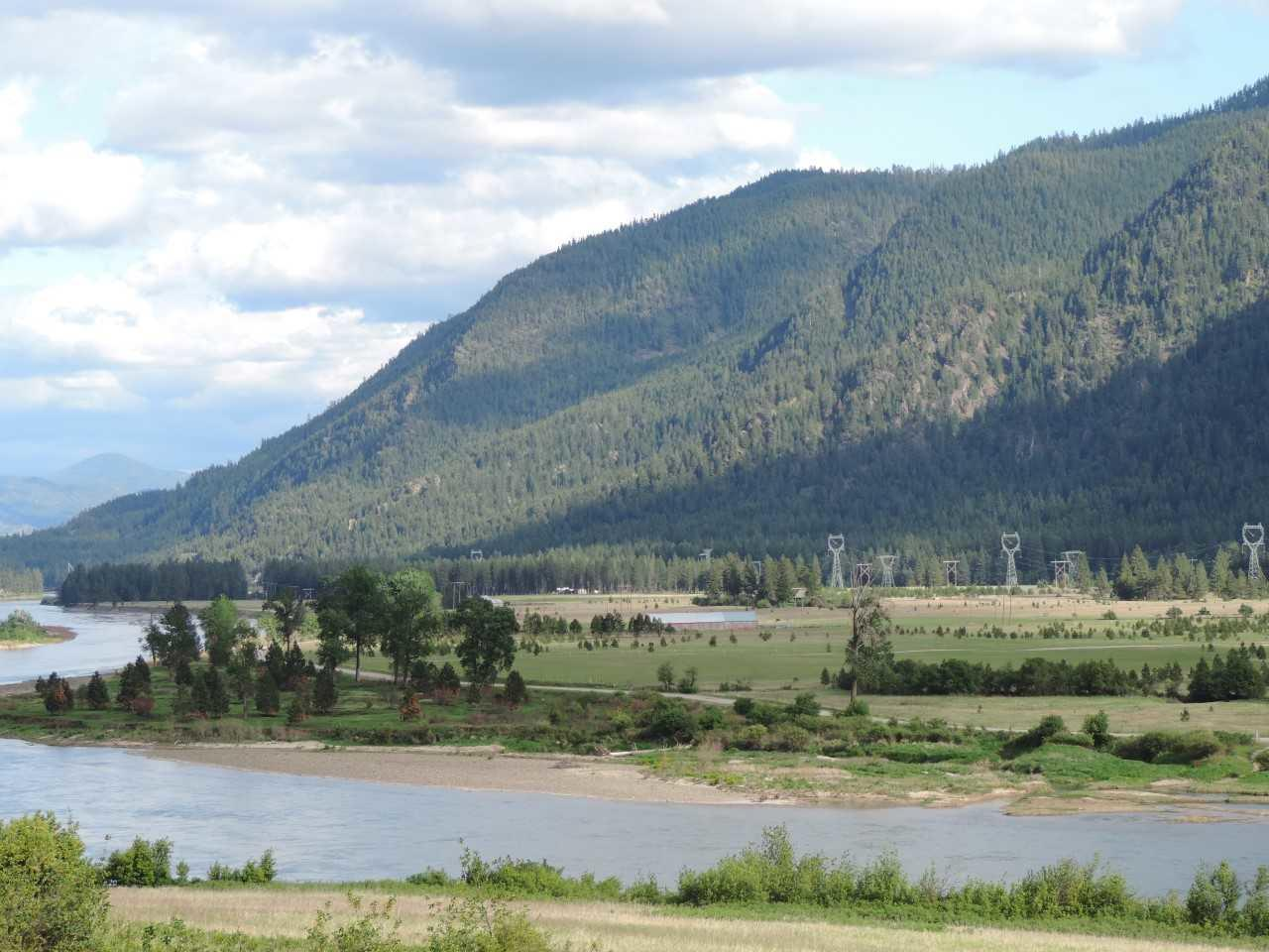 Clark Fork River Retreat with River
