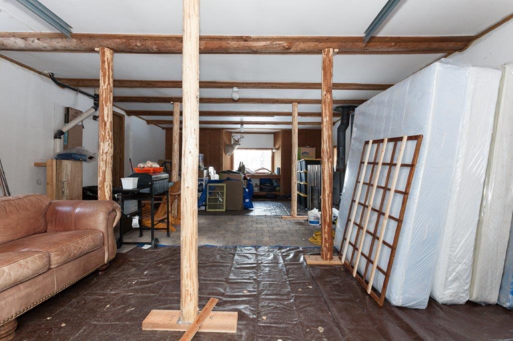 Garage Inside 2