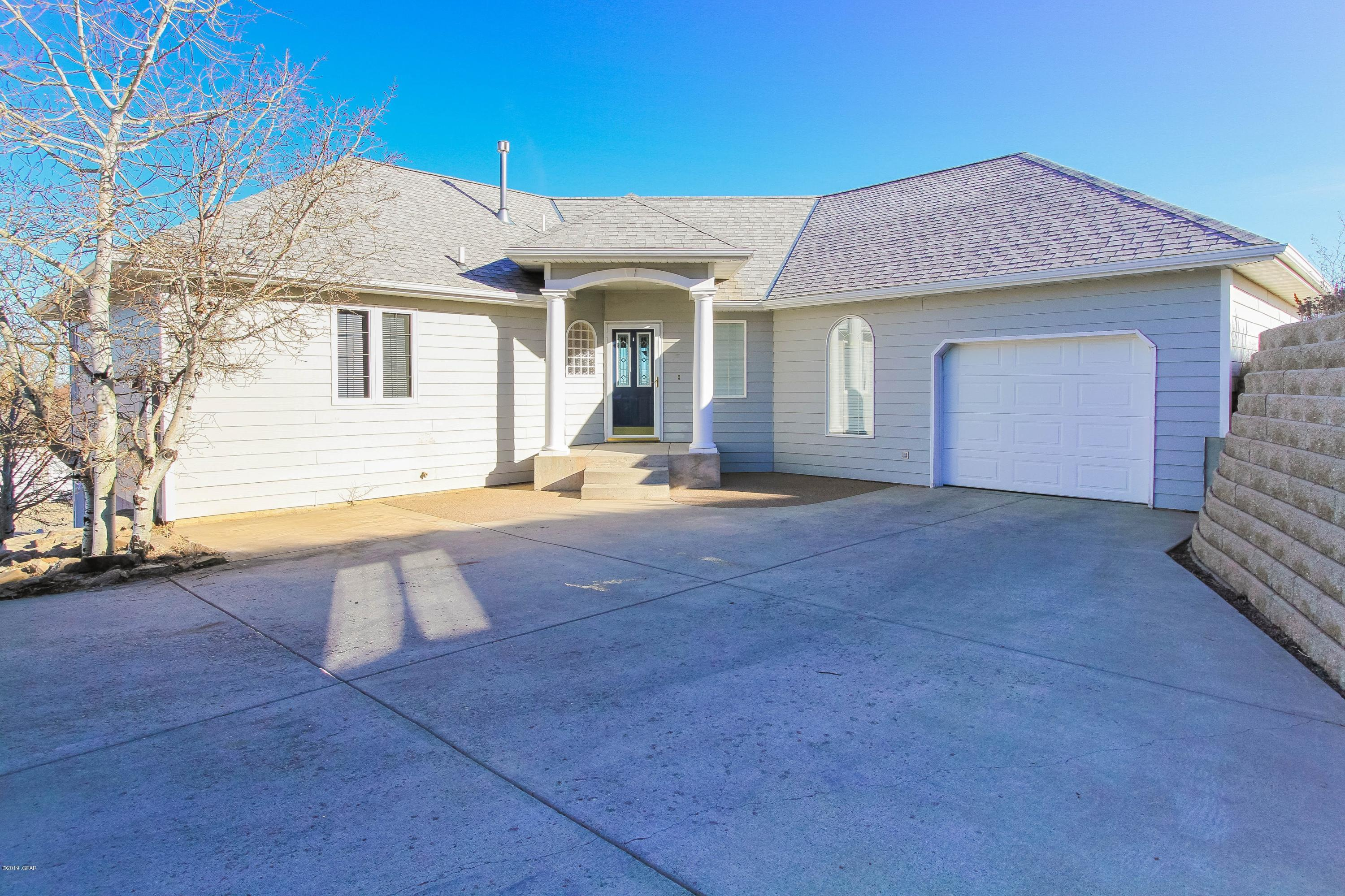 Home for Sale at 2100 Poplar Drive in Great Falls, Montana