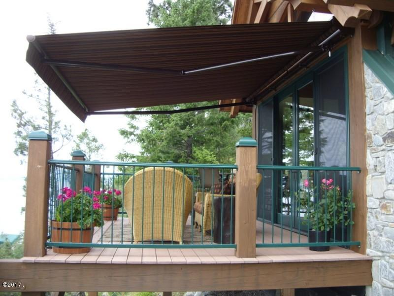 011_Front Deck w Retractable Awning