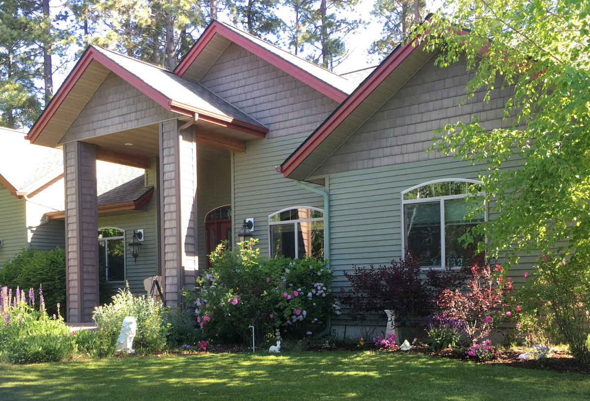Beautiful Creston home