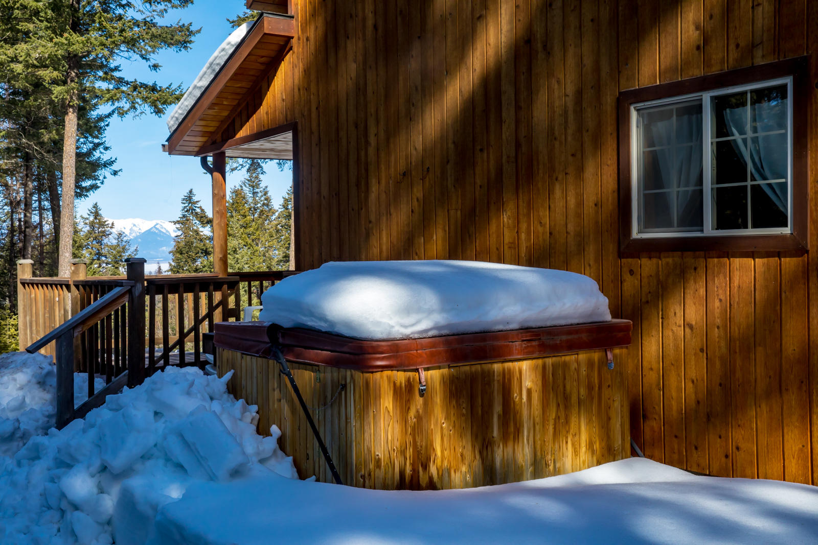 Hot Tub (winterized)