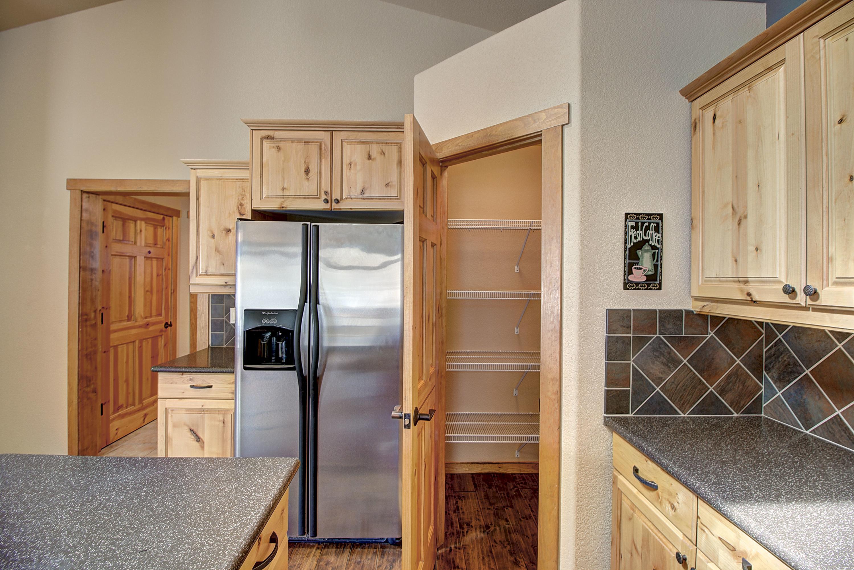 Kitchen w/Corner Pantry