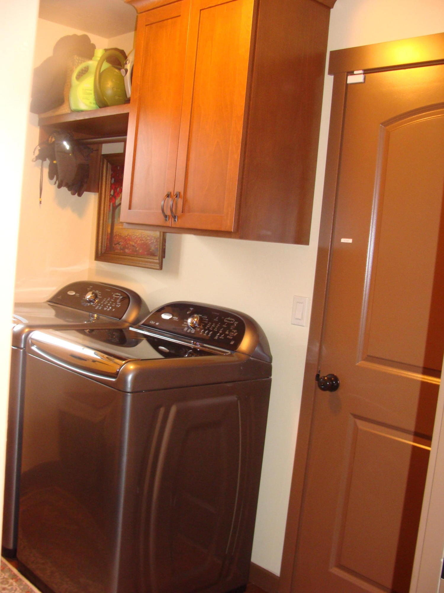 laundry room off of garage