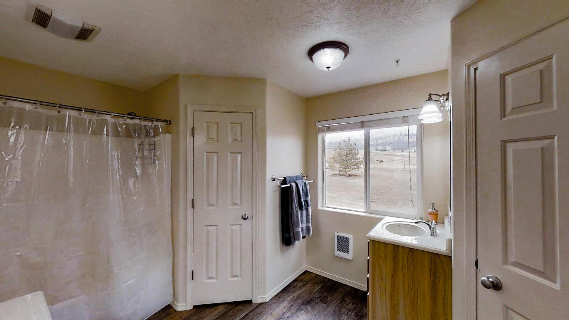 Castleview-Master-Bathroom(1)