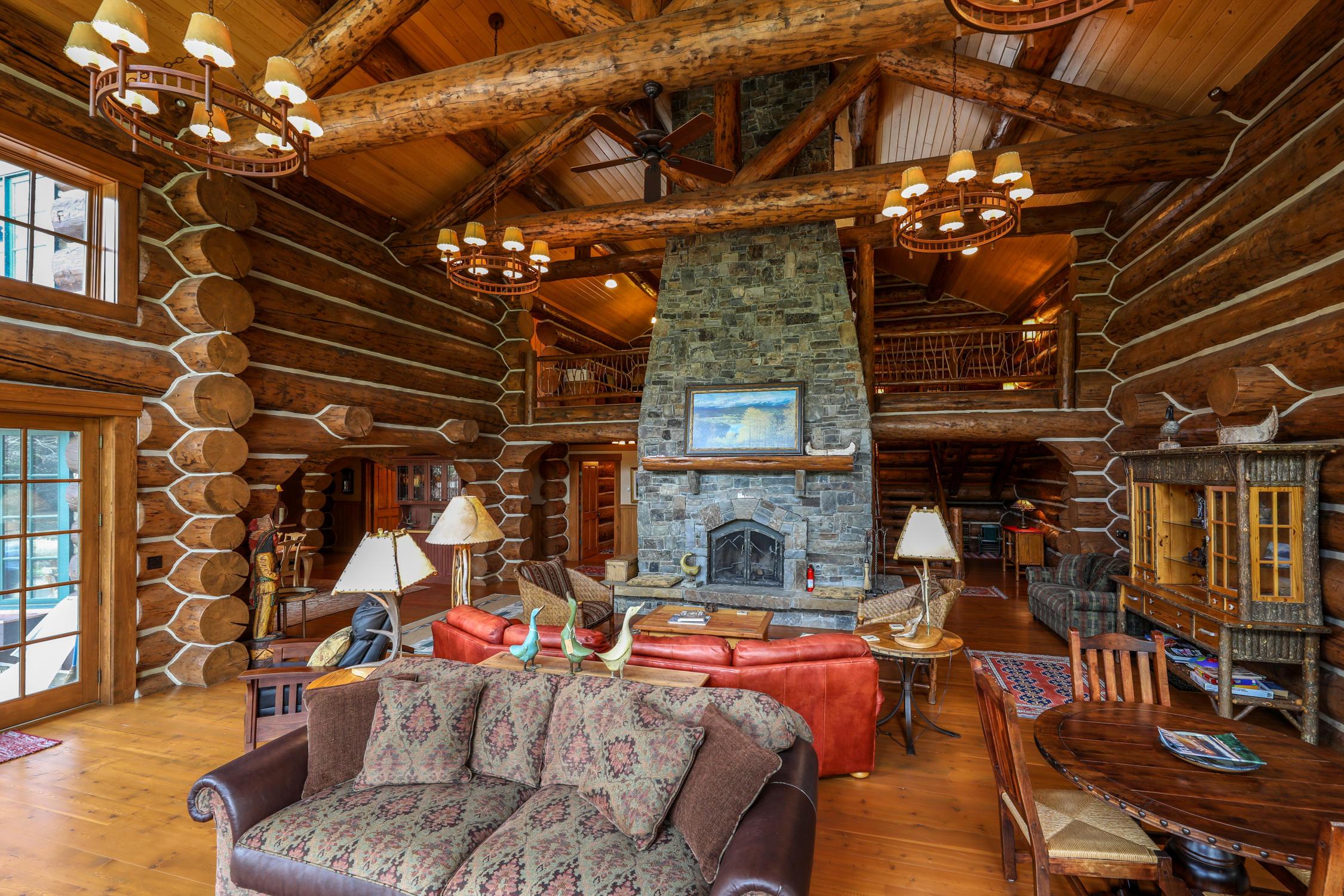 Magnificent Swan Lake Lodge