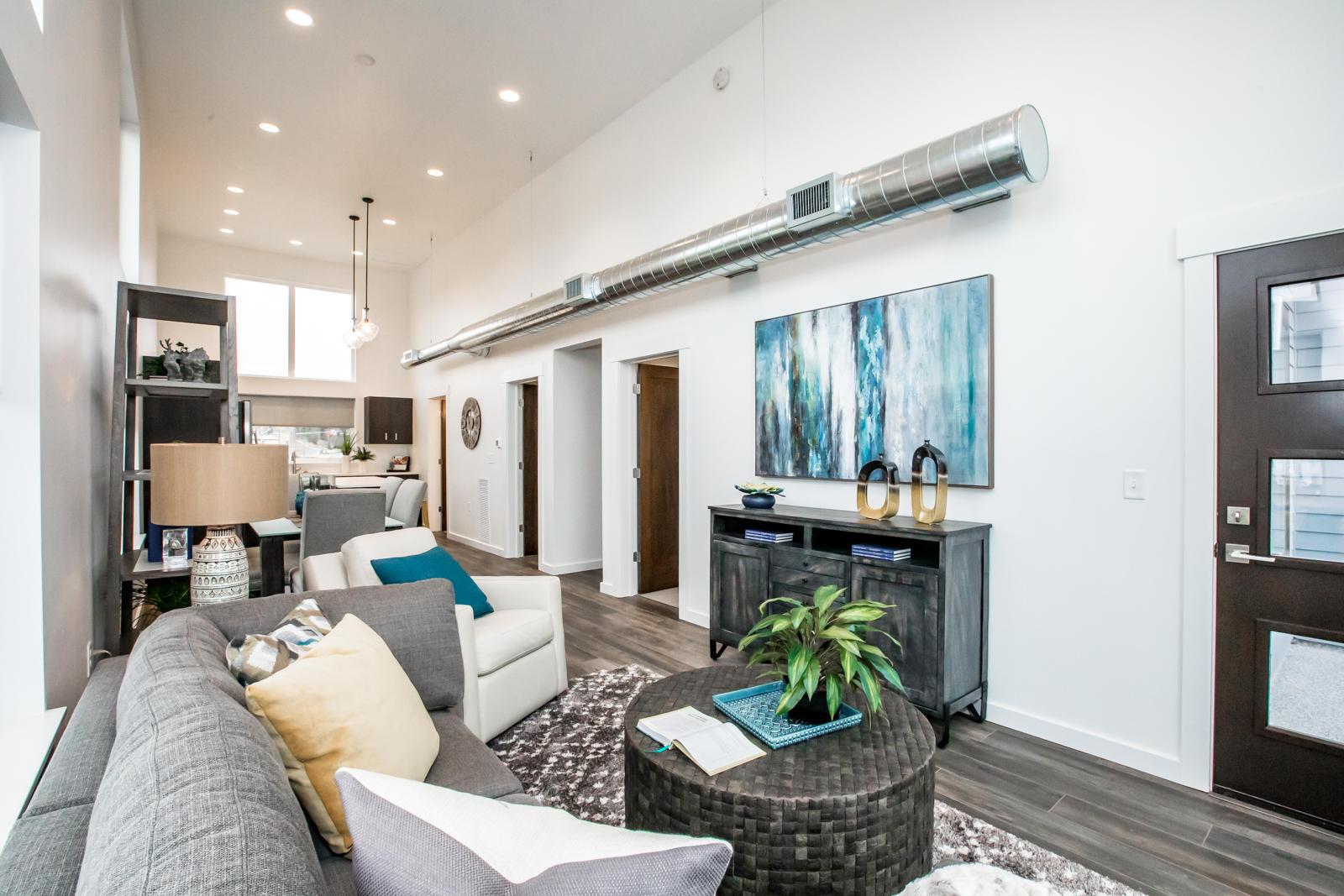 5 Living Room Into Kicthen