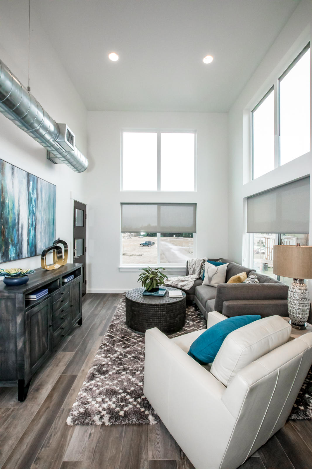 8 Living Room (2)