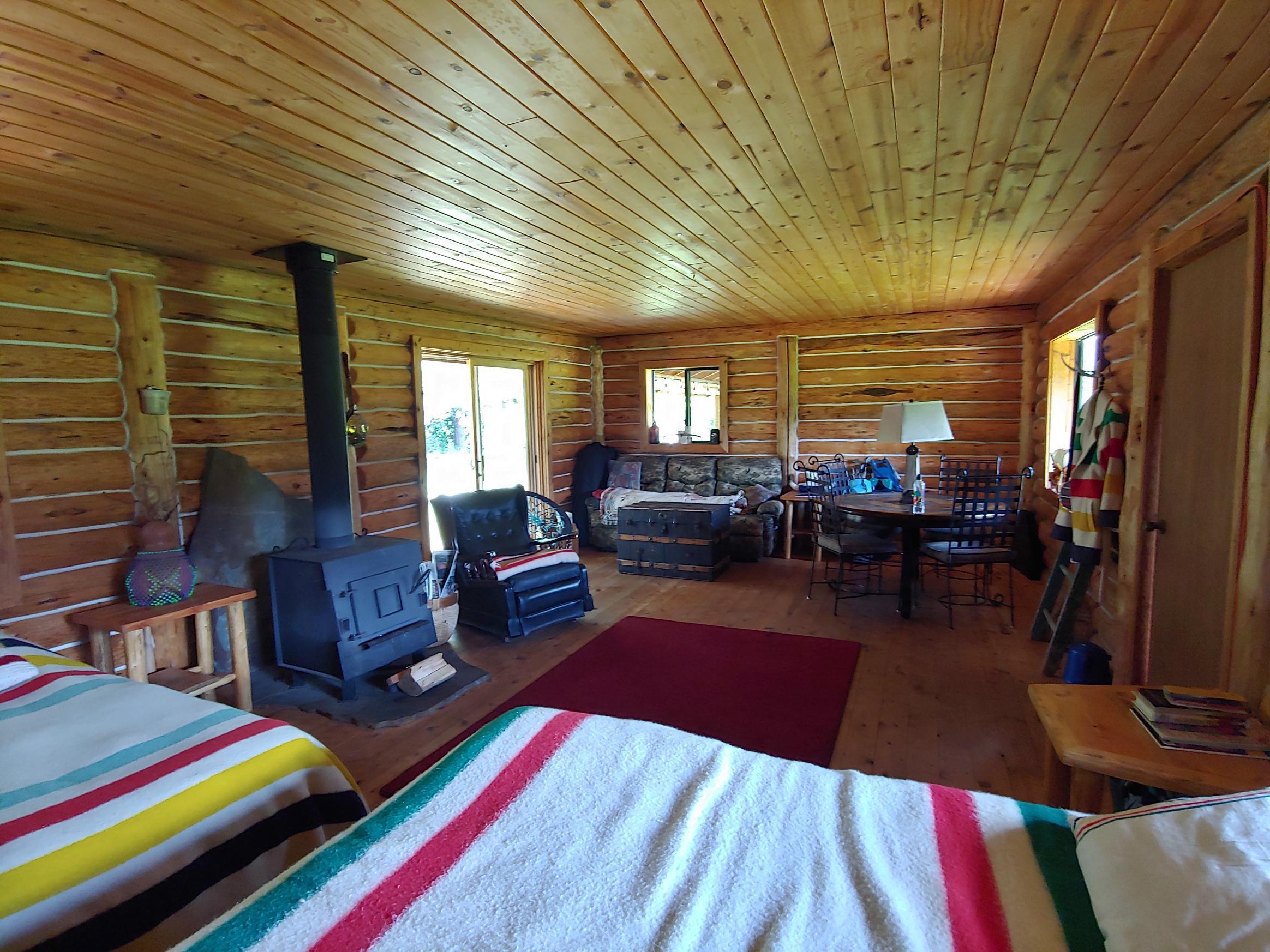 7395 Main cabin