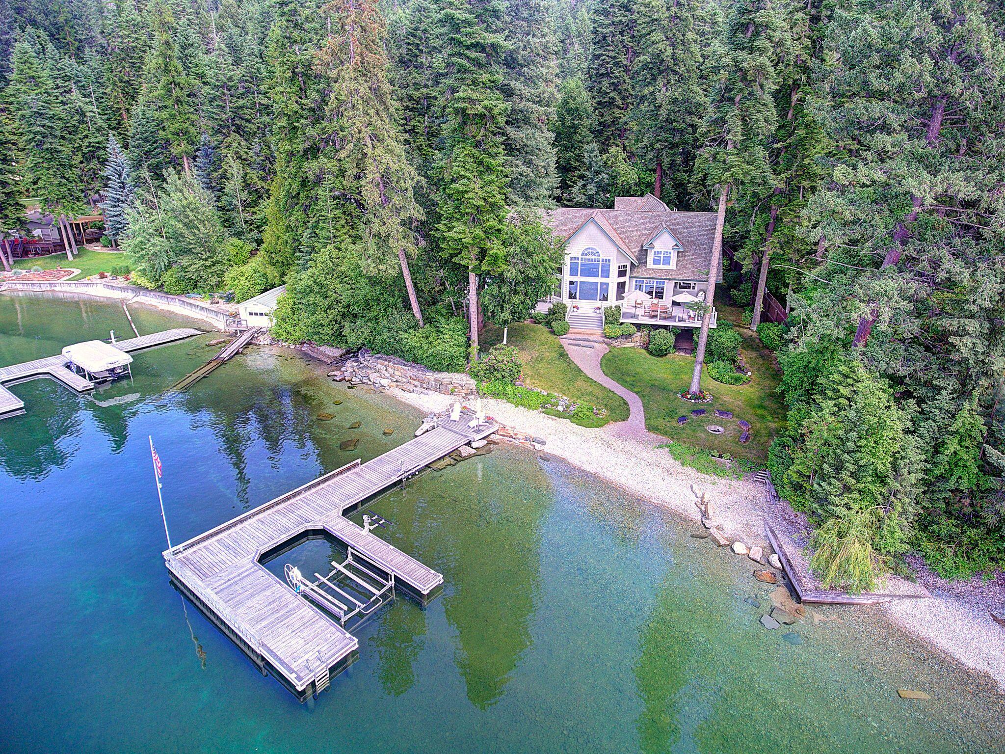 Beautiful  home on Flathead Lake