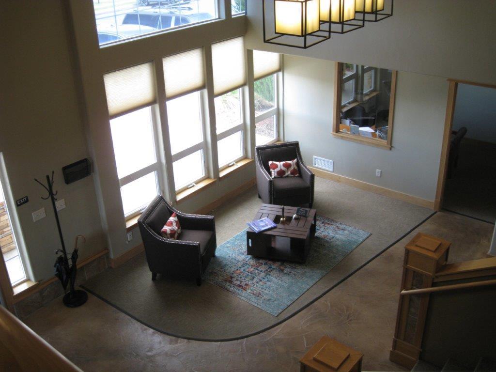 3390 Colton lobby