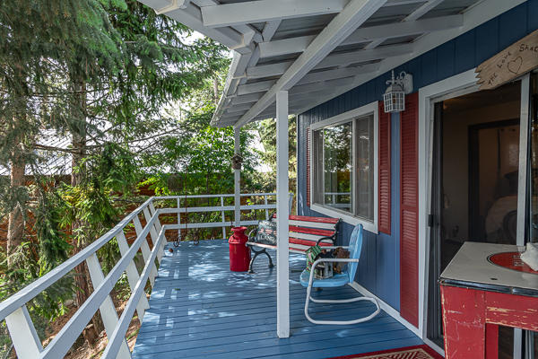 Guets House Deck