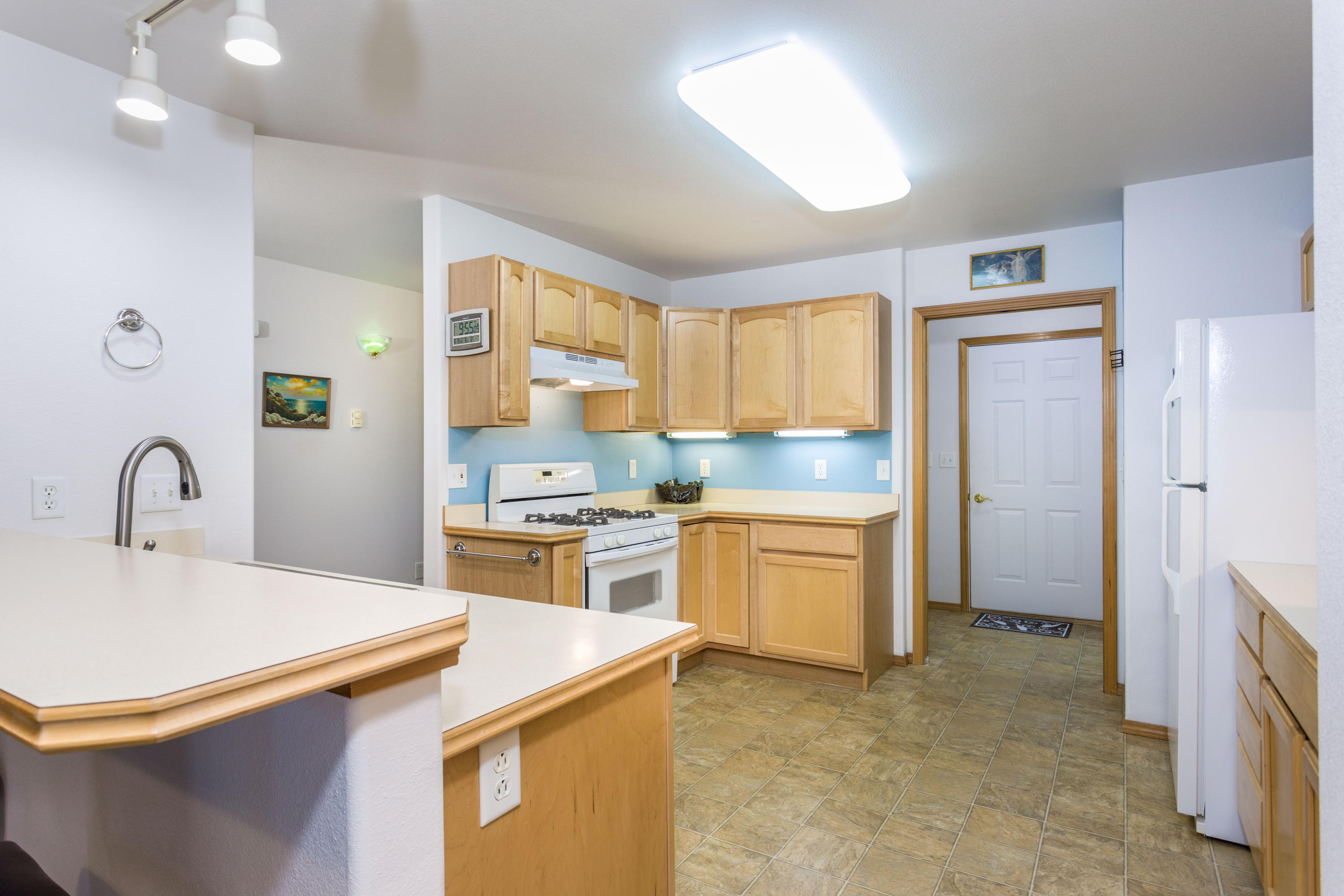 Guest home kitchen