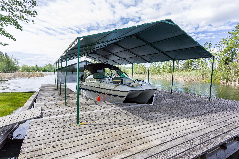 Wrap around dock