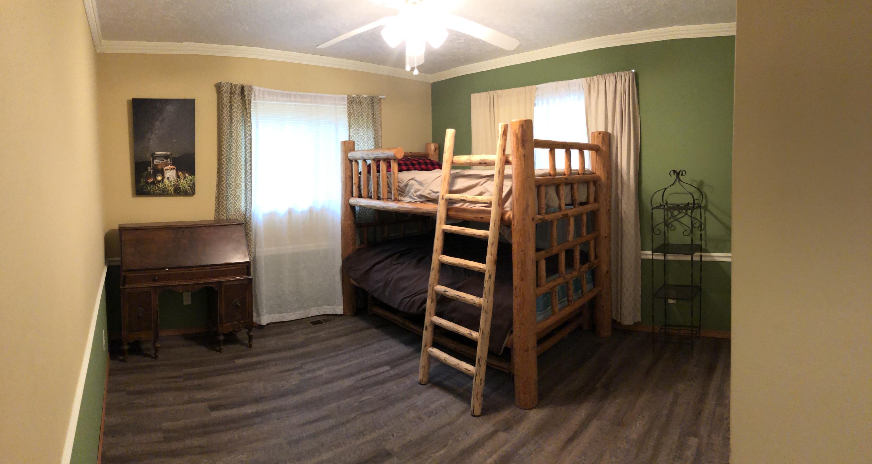 027Bedroom 2