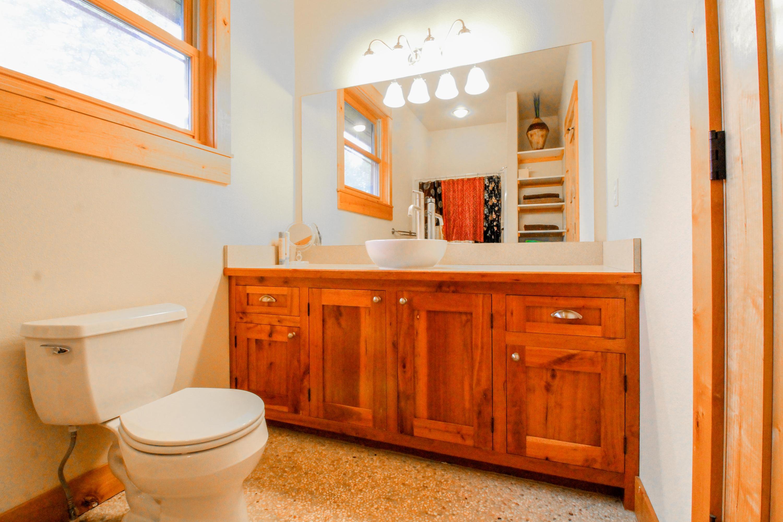 90 Irish Bend - Upper Level Guest Bath