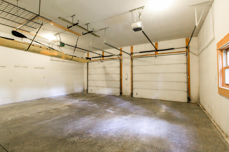 90 Irish Bend - Attached Garage