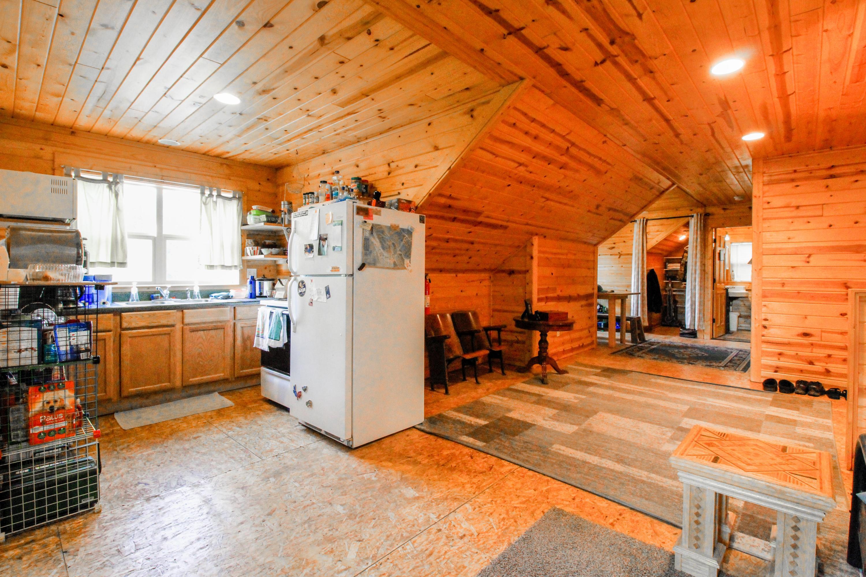 90 Irish Bend - Apartment Kitchen