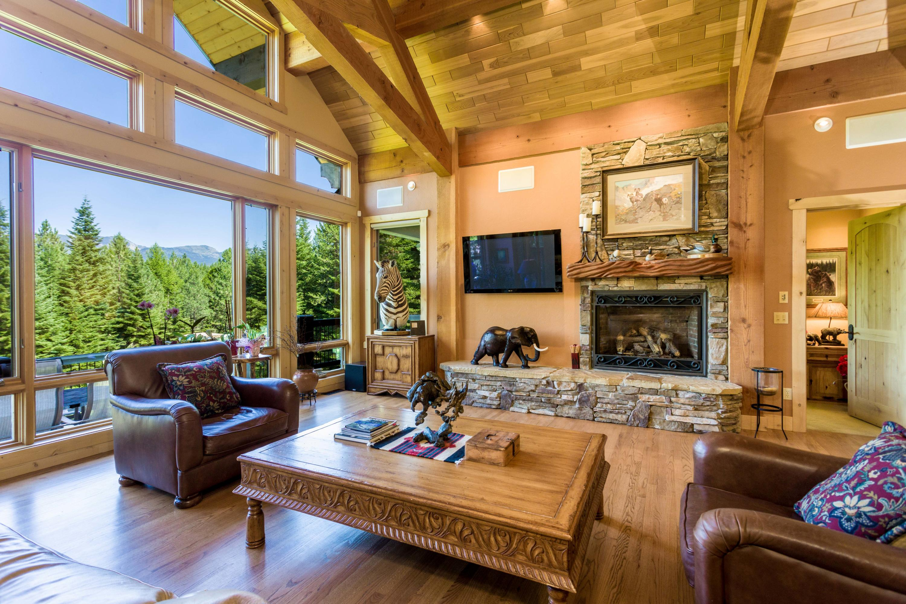Vaulted great room with amazing views