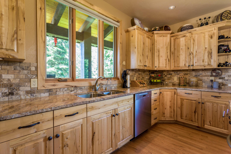 Ample countertops & cupboard space