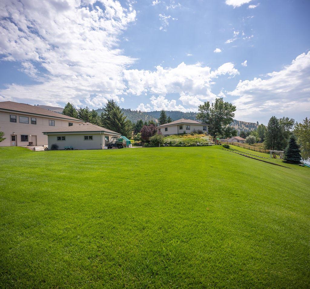 Real-Estate Photos - 1 10475 oral z